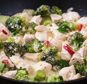 delicate-saute-chicken-with-broccoli-and-chili-pep-P5K8WLS